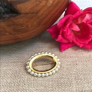 Vintage Napier Gold and Pearl Brooch